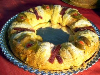 The Rosca bread eaten on the morning of January 6 in some Mexican households