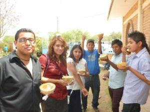 Jovenes de Maravillas despues del drame presentado el domingo de la ninez en 2013