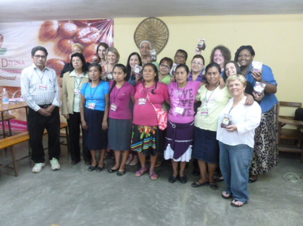 La Joya women with Pastor Francisco (front, left) met the Women to Women delegation last year