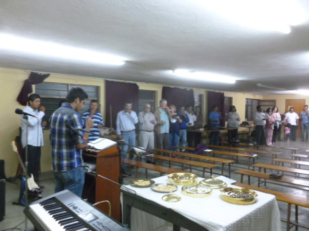 The Lord's Supper durinng closing worship of Disciples (CICE) Assembly May 2015/ La Santa Cena en el culto de clausura de la Asamblea de los Discipulos (CICE) en mayo 2015