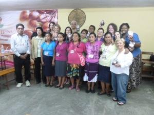 Huasteca Indian women front row with U.S. Woman to Woman delegation in San Luis Potosi/ Se despiden mujeres de la Huasteca al frente con las miembras de la delegación Mujer a Mujer estadounidense en el CET San Luis Potosi